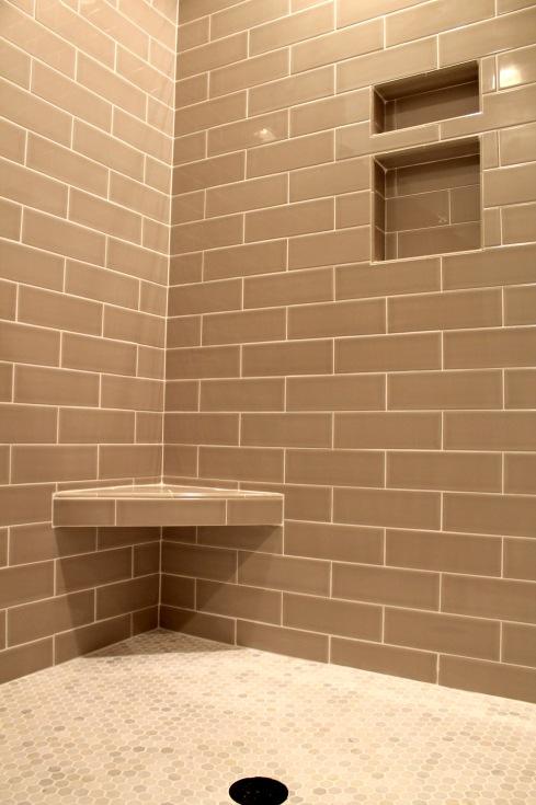 109 redtail- master shower